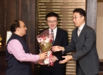 Shri Manish Desai, DG, FD welcoming Mr. Seigo TONO, Filmmaker along with Mr. Junichi Kakuta, Consul, Culture & Information Section, Japan