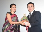 Ms. Swati Pandey, Director of Administration welcoming Mr.Junichi Kakuta, Consul, Culture & Information Section, Japan at THEfdZONE screening on 20.01.2017.